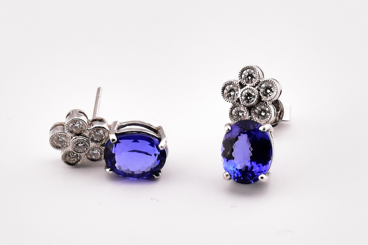 5.0 Carats Total Weight Oval Cut Tanzanite White Gold Earrings