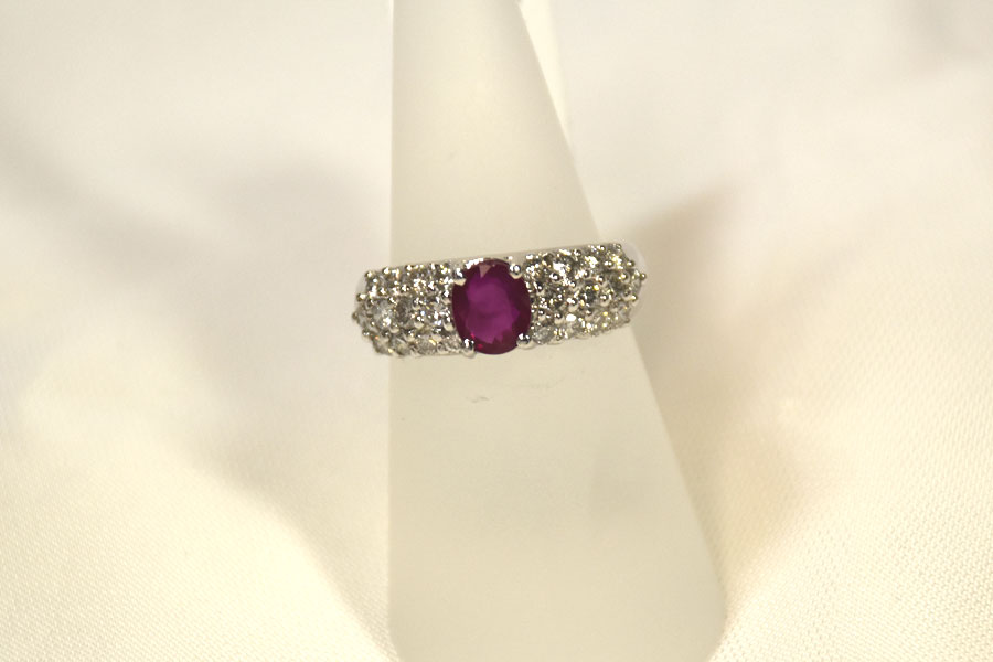 FLATTERING RUBY AND DIAMOND RING