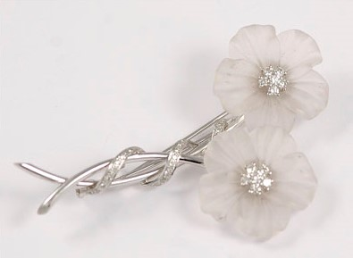 Elegant 18K White Gold Diamond and Crystal Flower Design Brooch