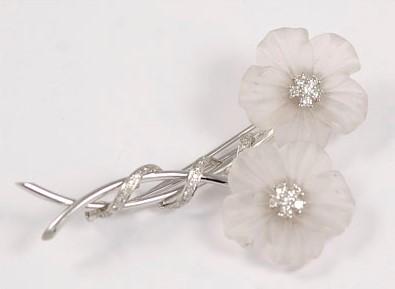 Elegant 18K White Gold Diamond and Crystal Flower Design Brooch