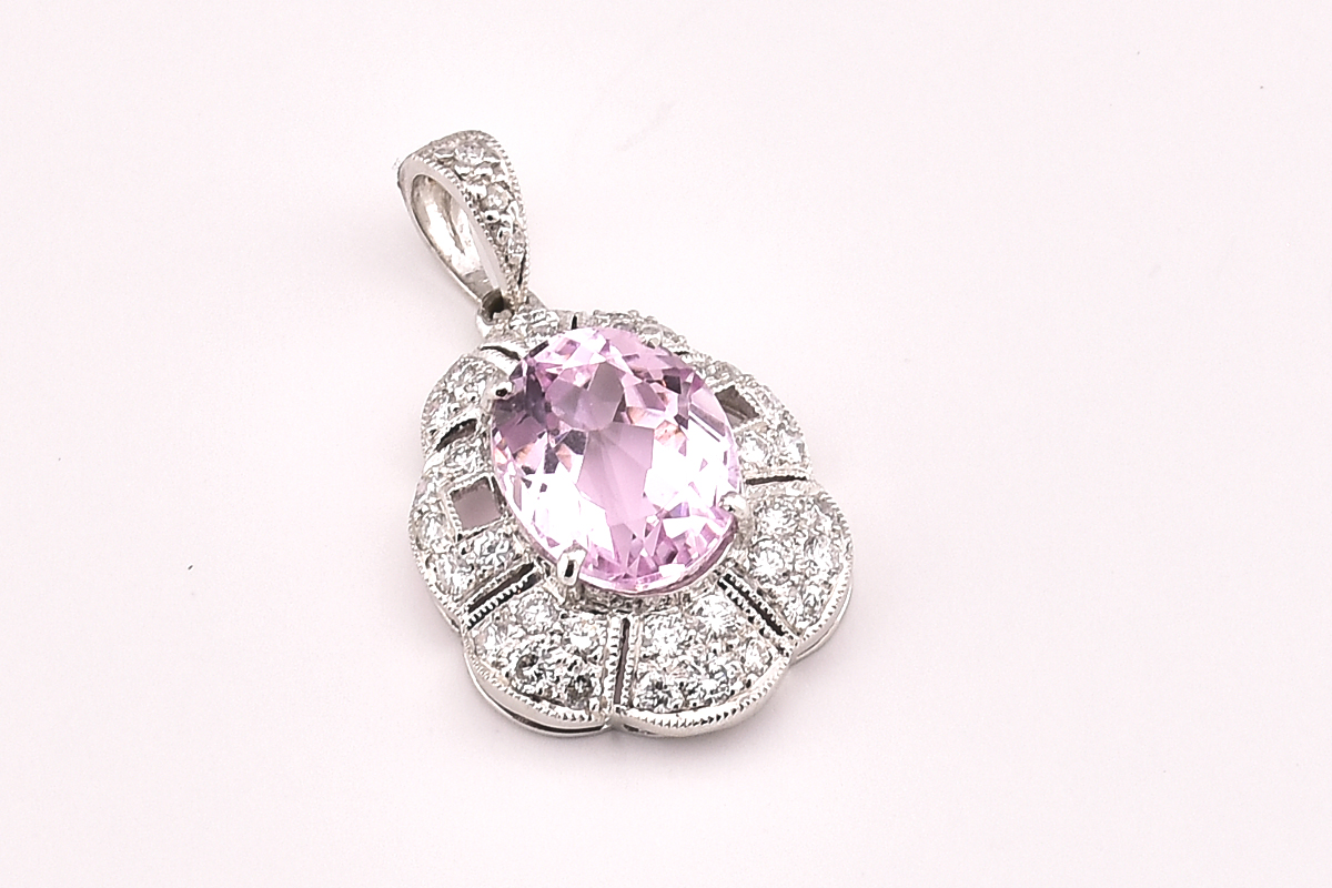 Beautiful 18K White Gold Kunzite and Diamond Pendant