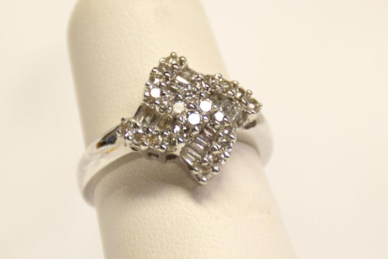 Loverly 18K White Gold Diamond Ring