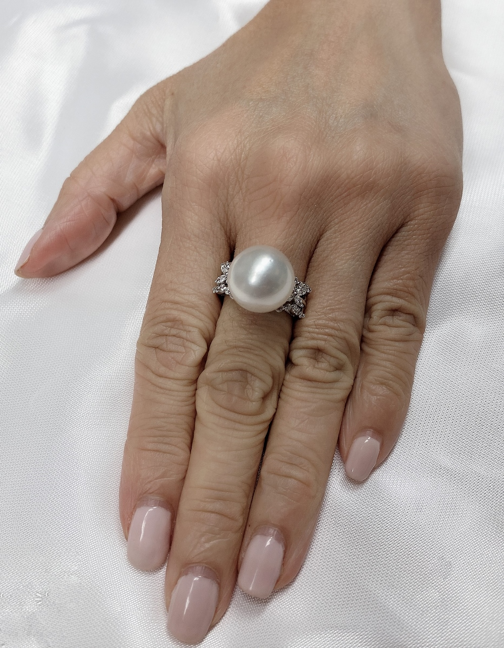 14 Millimeters South Sea Pearl & Diamond Ring