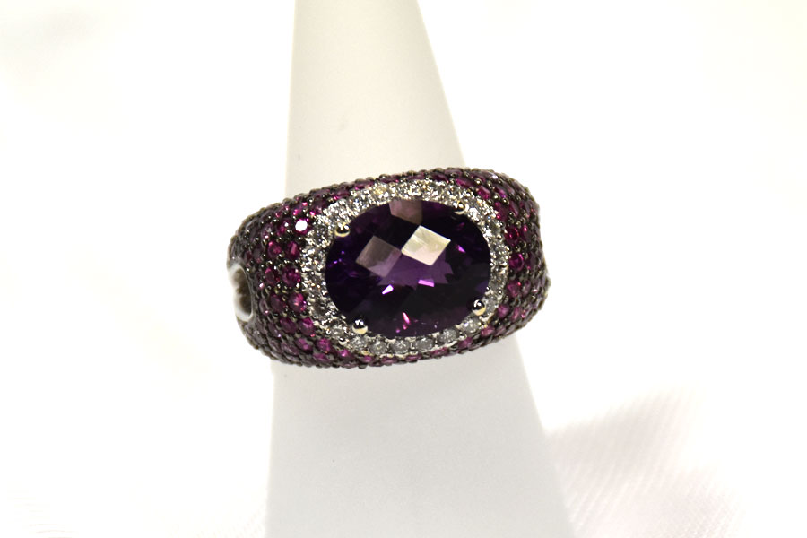 Magnificent 18K White Gold Amethyst, Sapphire, and Diamond Ring