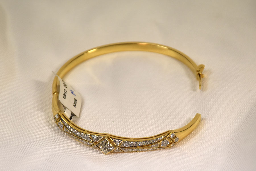 Shimmering 18K Yellow Gold Mine Cut Diamond Bangle