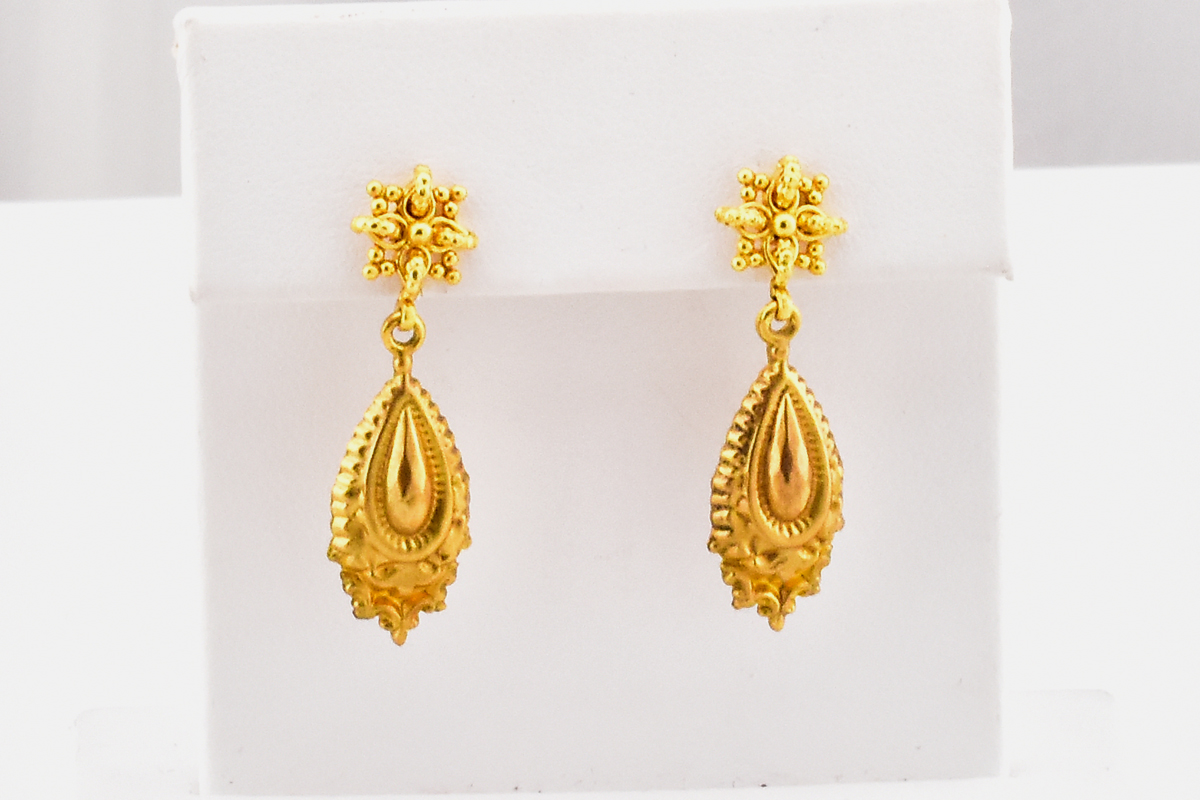 Classy 9K Yellow Gold Earrings