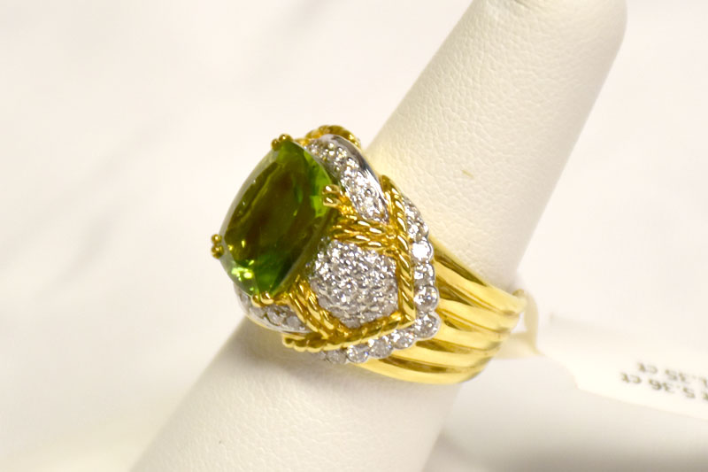 5 Carats Peridot Diamond Ring