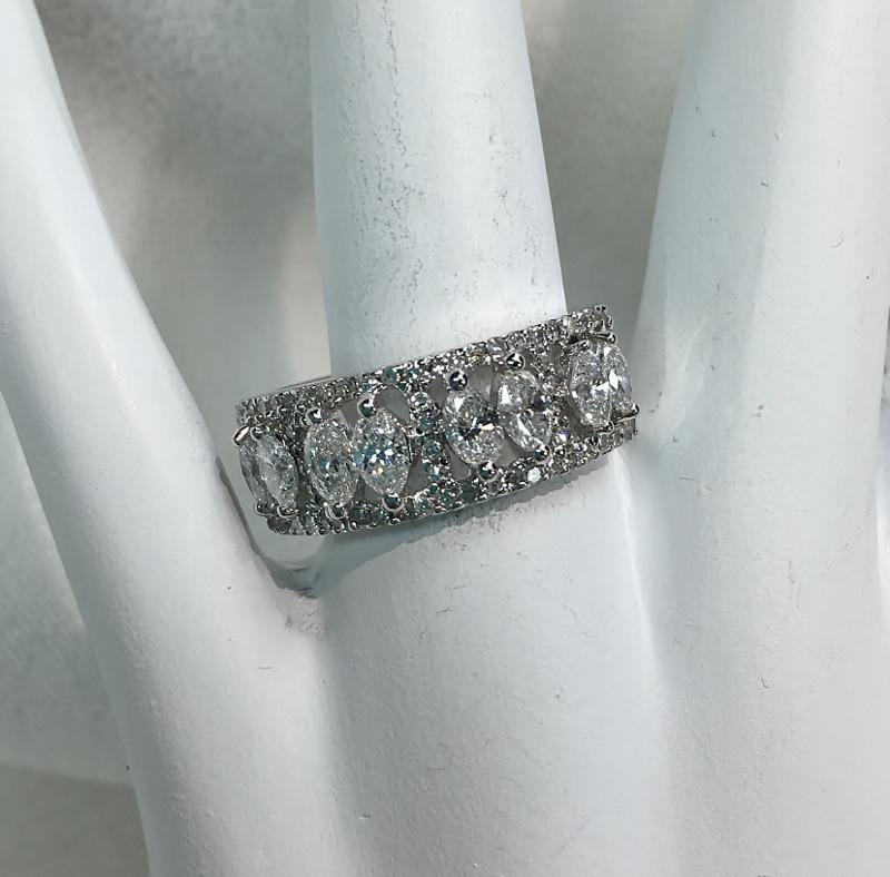 Sparkling 18K White Gold 1.50ct TW Diamond Ring