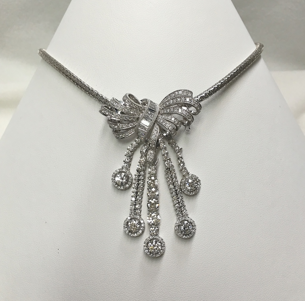Beautiful 18K White Gold Diamond Dangling Brooch