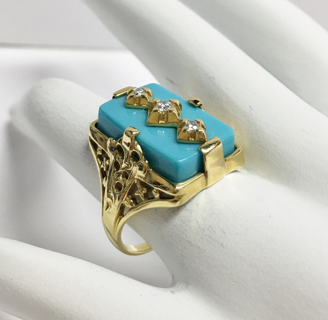 18K Yellow Gold Turquoise Diamond Ring