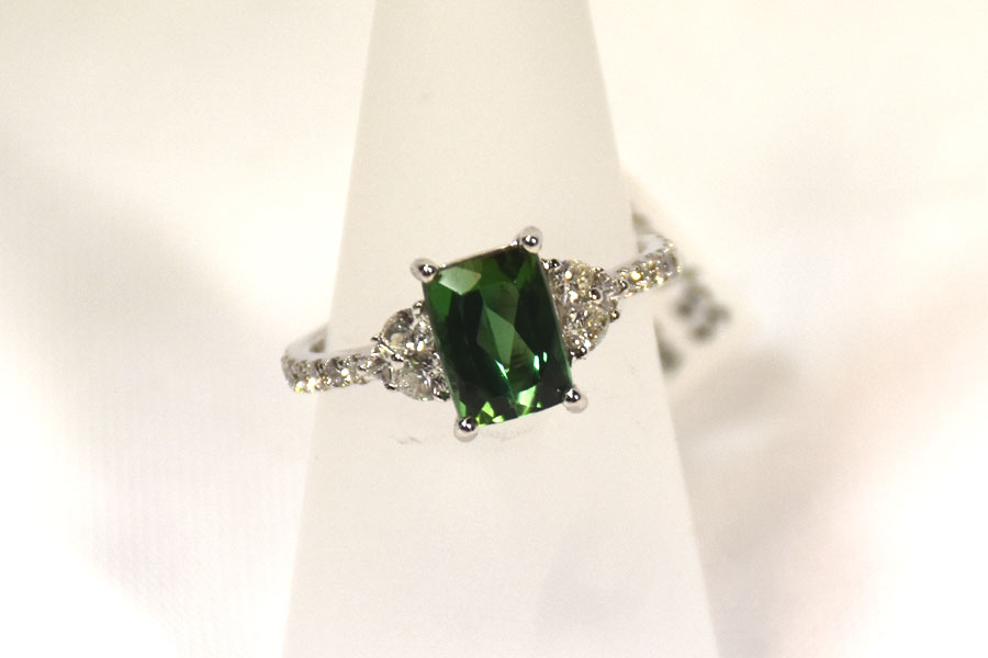 Gorgeous 18K White Gold Tourmaline and Diamond Ring