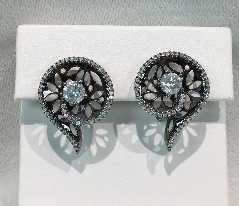 Unique 18K White Gold Diamond Earrings