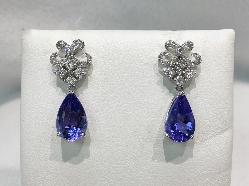 18K WG 4 Carats Tanzanite & Diamonds Earrings