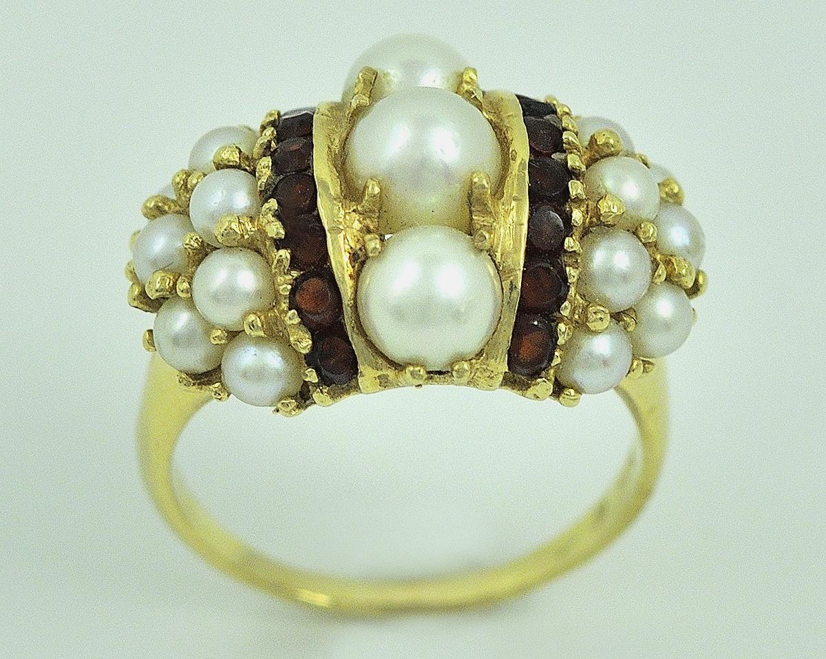 Fresh Water Pearl & Garnet Ring