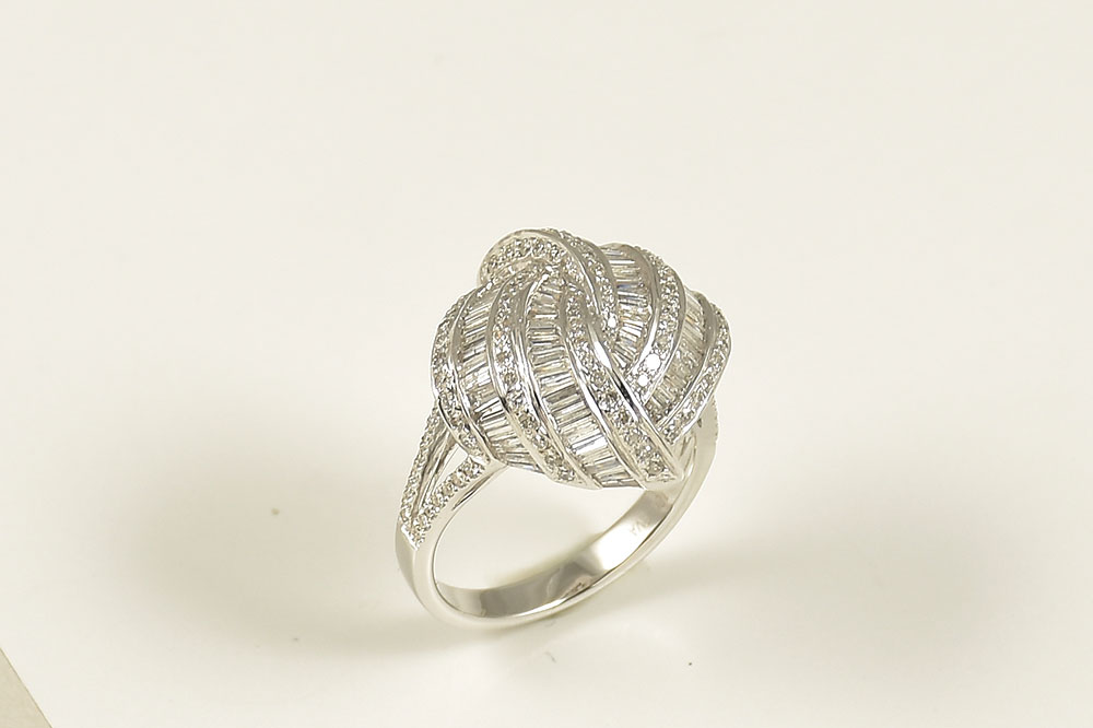18K White Gold Over 1 Carat Diamond Ring