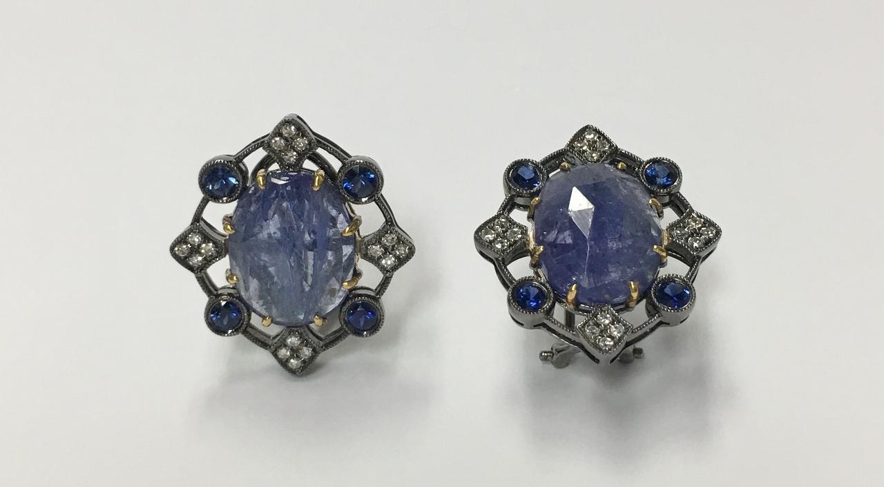 8.50 Carats Tanzanite and Diamond Earrings