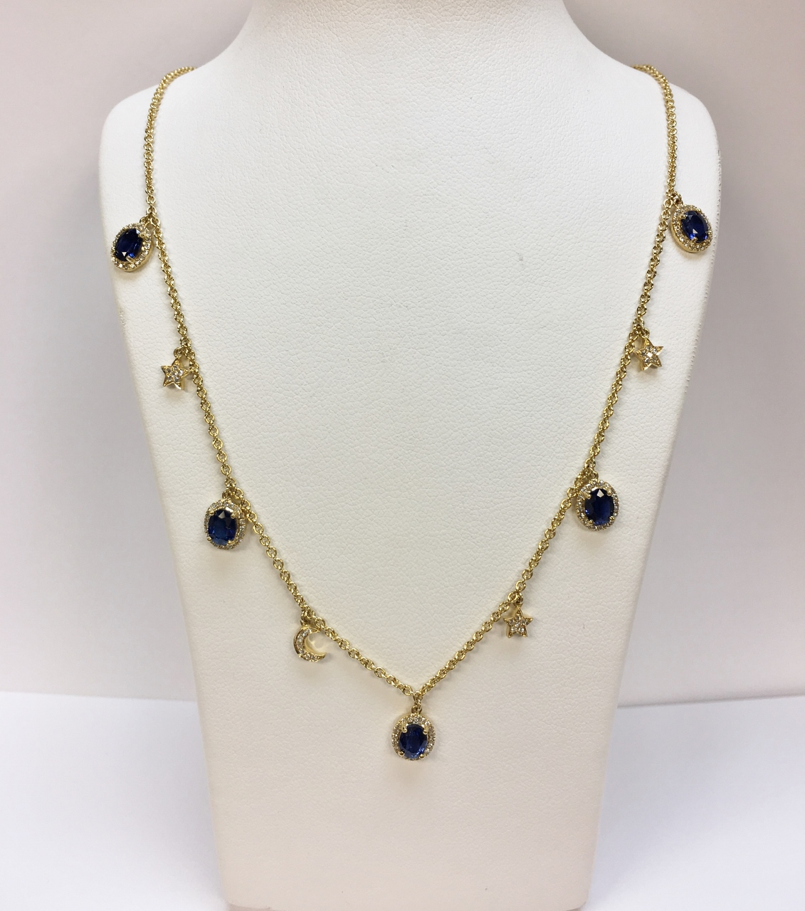 Beautiful Sapphire Diamond Necklace