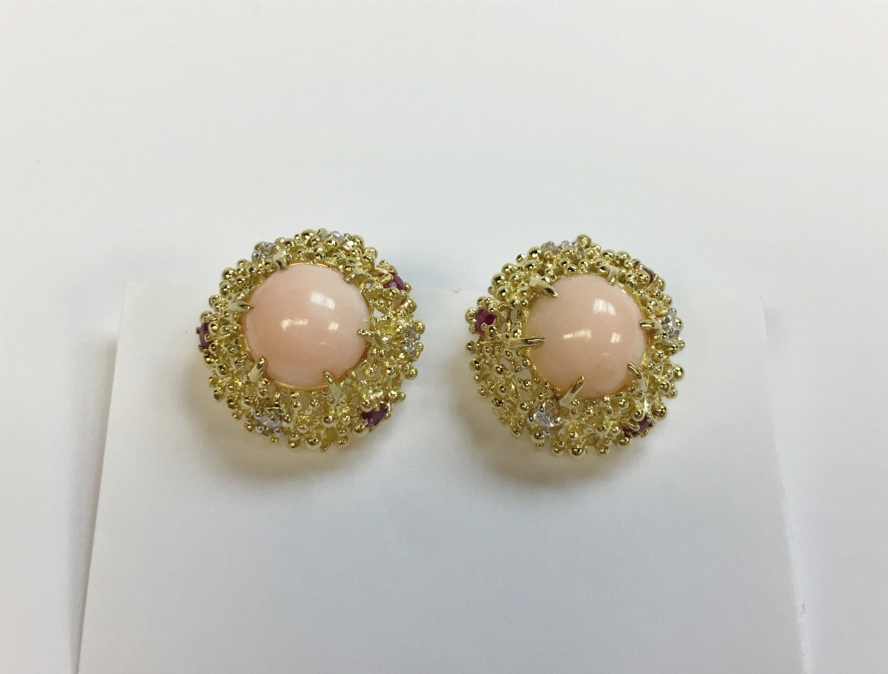 18K Yellow Gold Estate Coral Earrings
