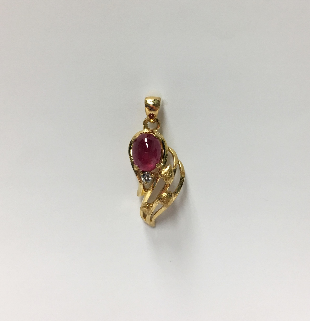 22K Yellow Gold Ruby Pendant