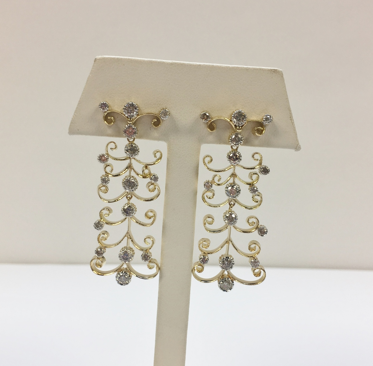 2 Carats Total Weight Diamond Yellow Gold Earrings