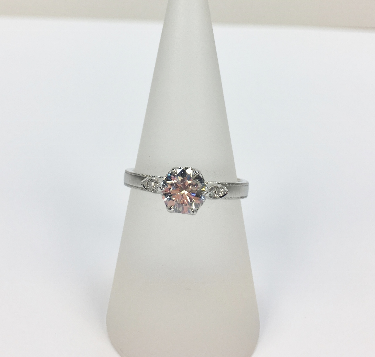 0.85 Carats Solitaire Diamond White Gold Ring