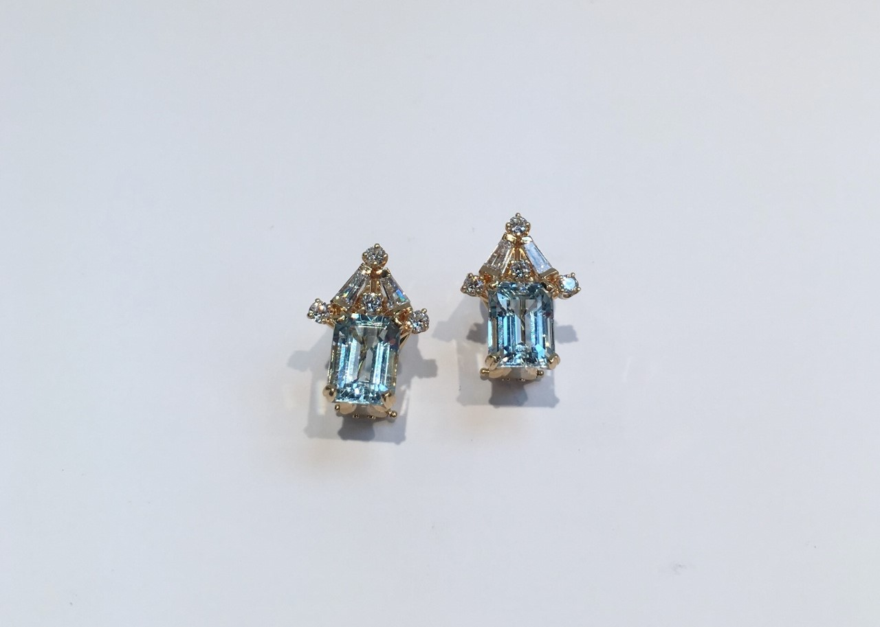 1.5 Carats Aquamarine And Diamond Earrings