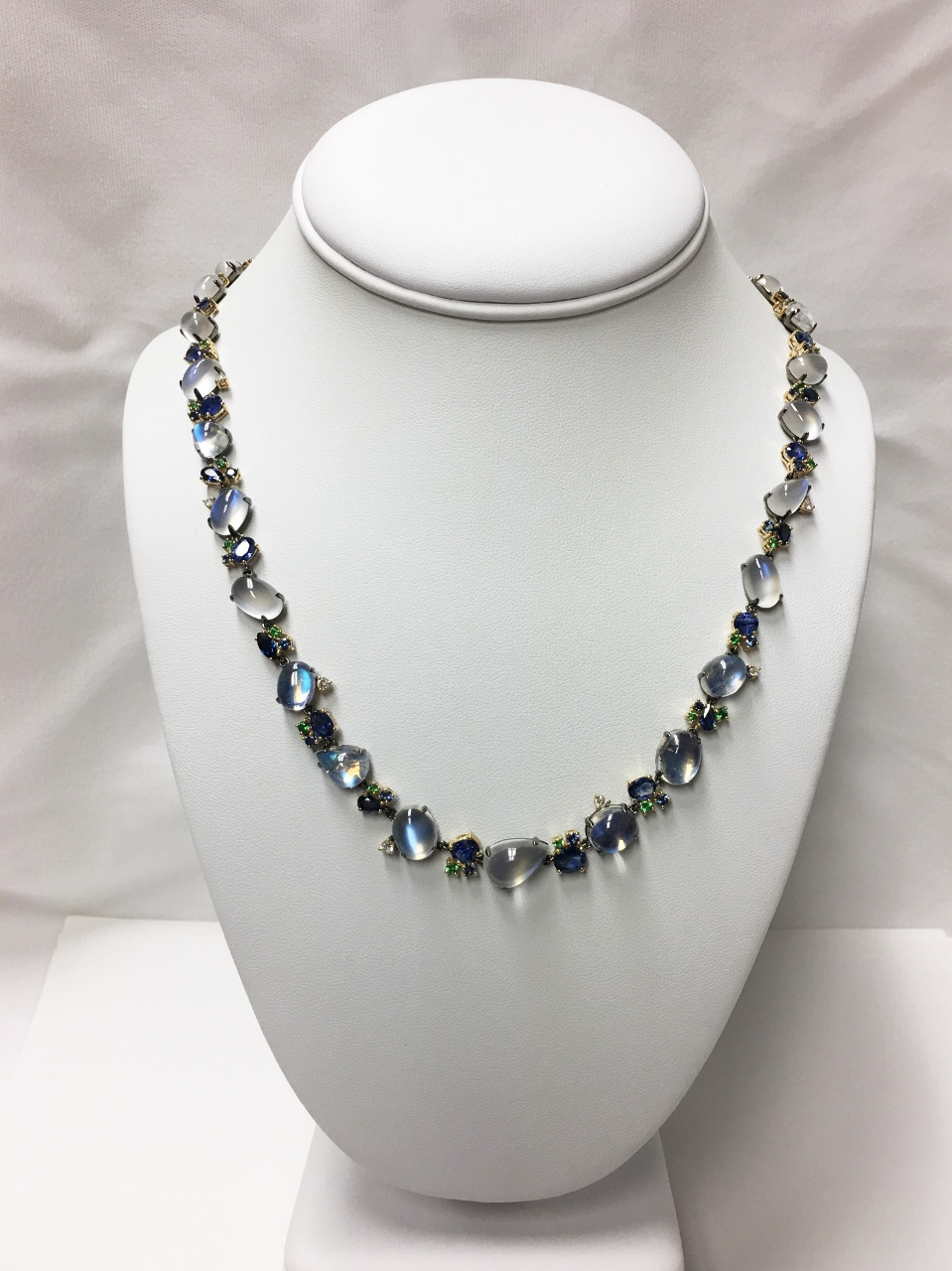 50 Carats Total Weight Moonstones Necklace