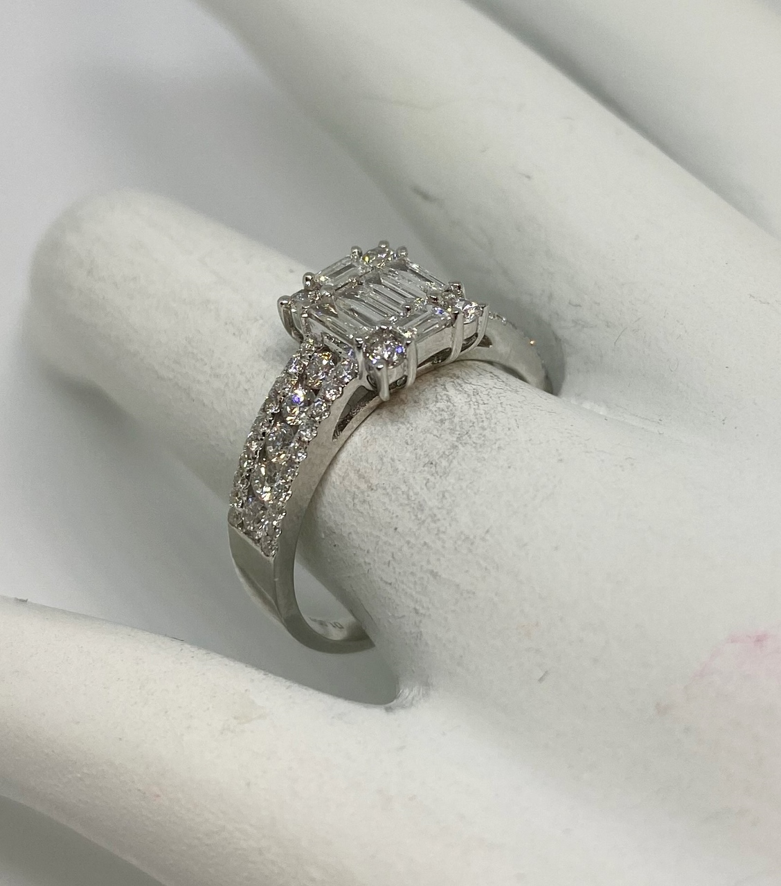 1 Carat Total Weight Diamond Ring