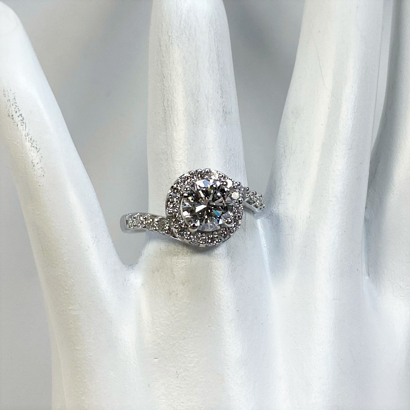 1.50 Carats Total Weight Diamond Ring In 18K White Gold