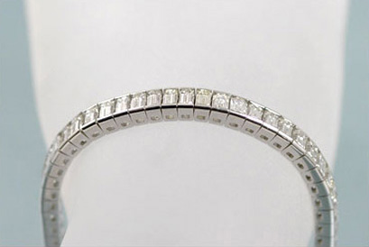12 Carats TW White Gold Diamond Bracelet