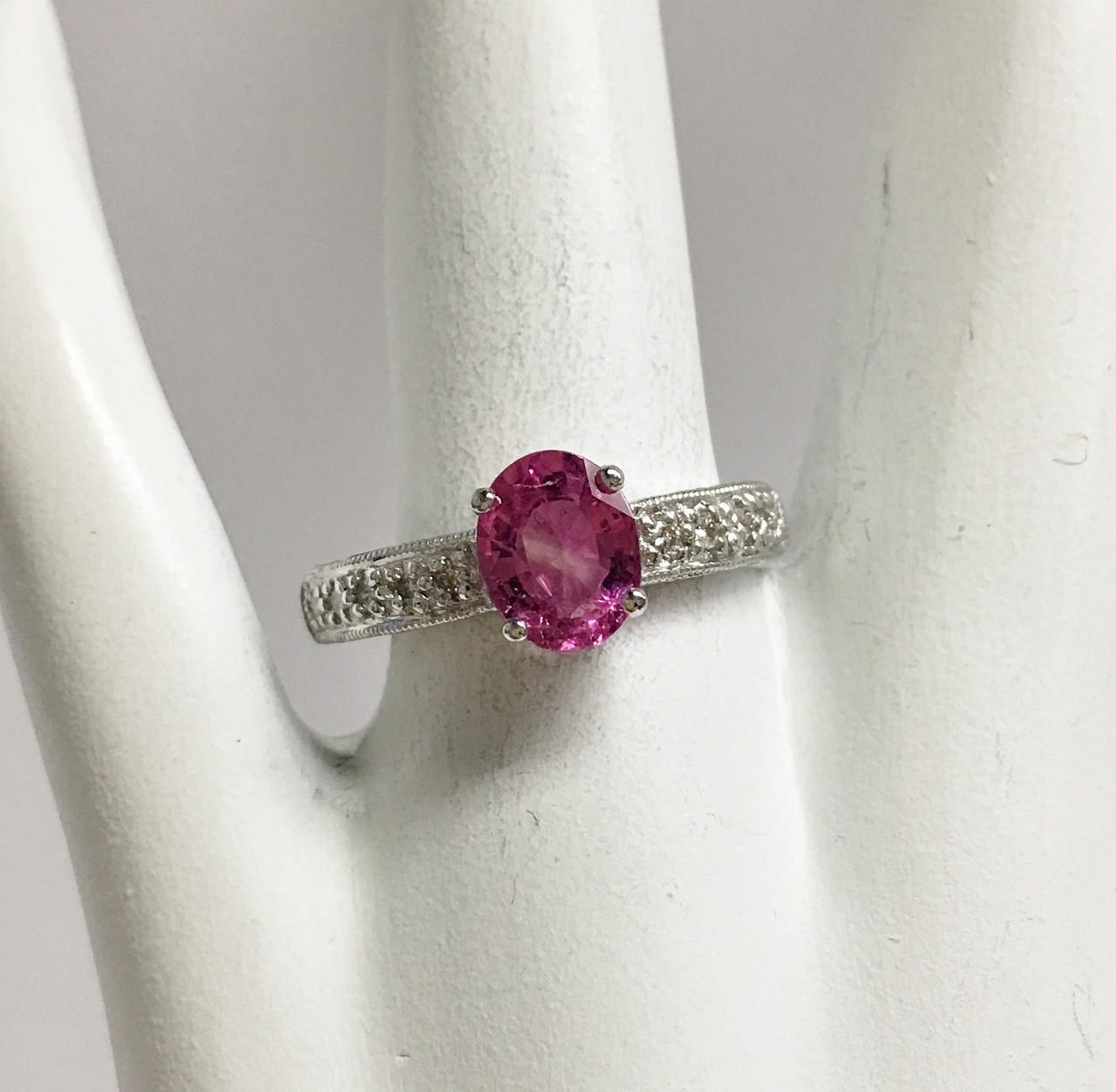 1.50 Carats Pink Sapphire Ring