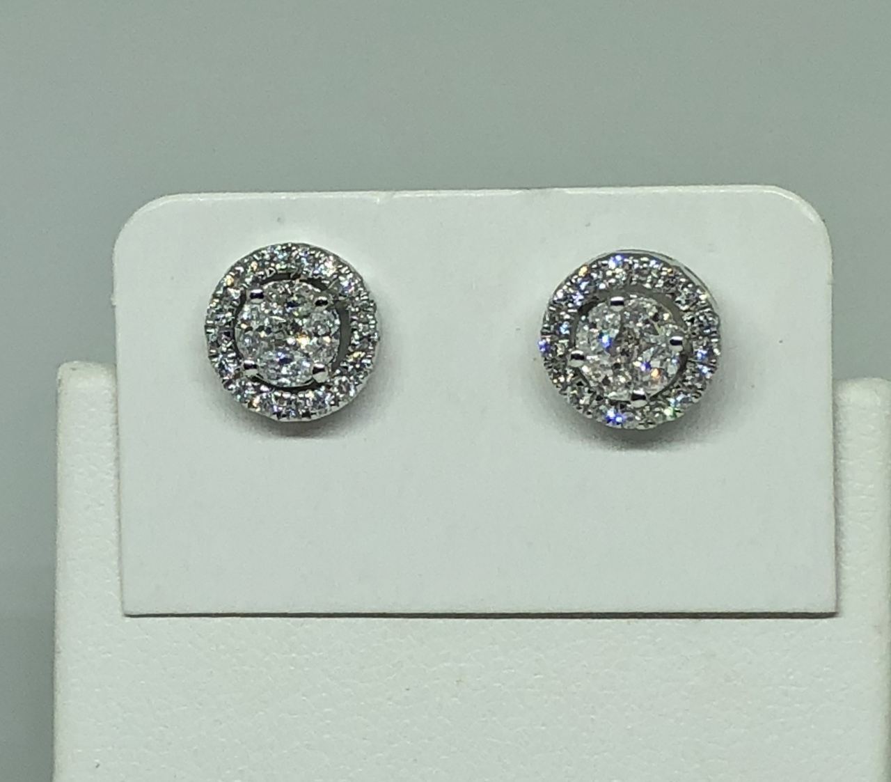 3/4 Carats Total Weight Diamond Earrings