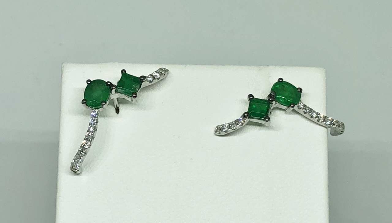 Almost 1 Carat Total Weight Emerald Diamond Earrings