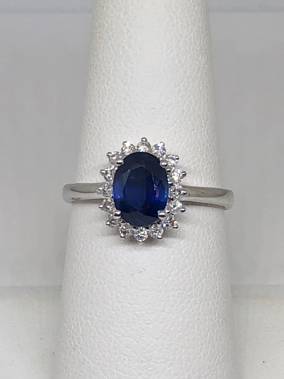 1.50 Carats Sapphire Diamond White Gold Ring