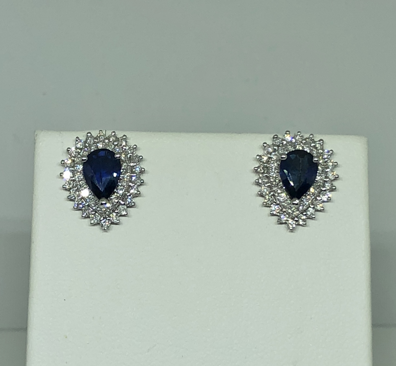 1.50 Carats Total Weight Sapphire Diamond Earrings