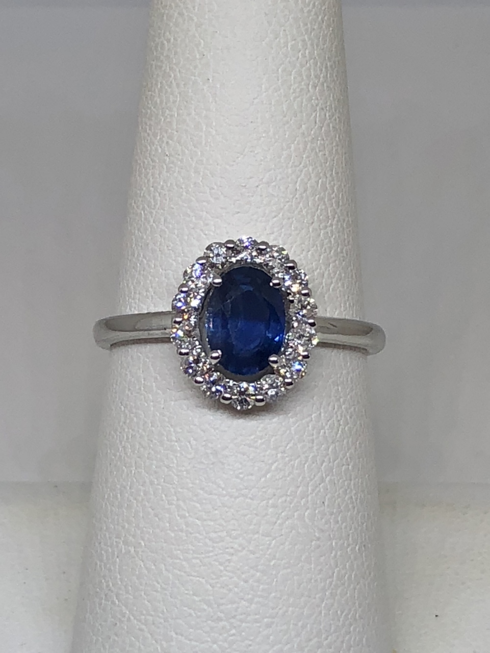 Classic Style Sapphire Diamond White Gold Ring