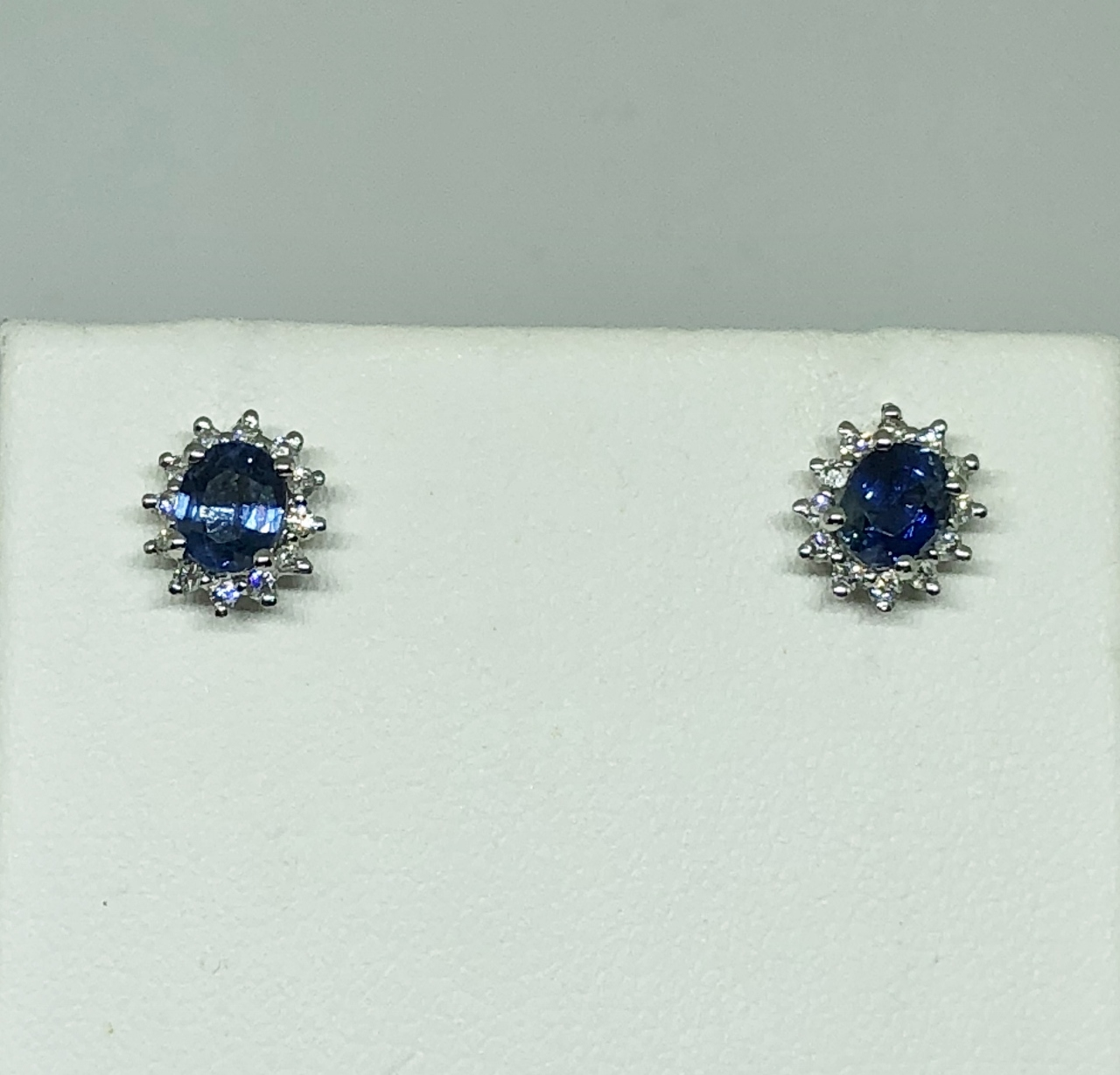 Almost 1 Carat Total Weight Sapphire Diamond Earrings