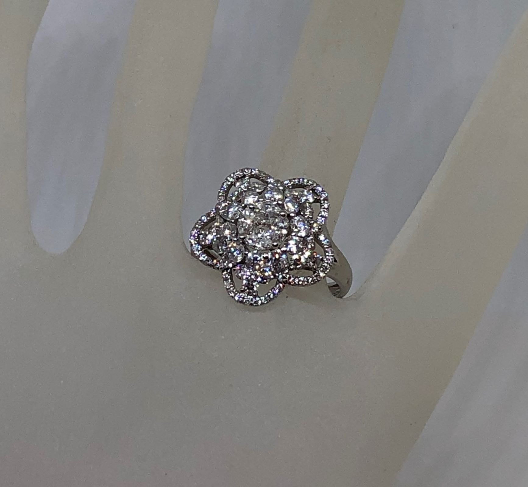1.5 Carats Diamond Cocktail Ring In White Gold