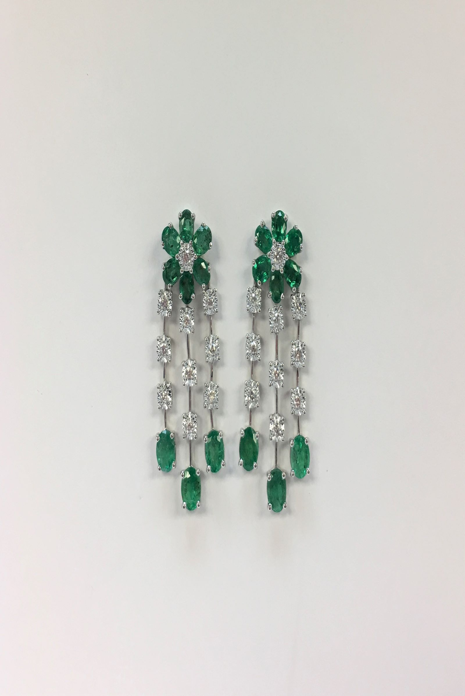 Over 3.5 Carats Total Weight Emerald & Diamond Dangling Earrings