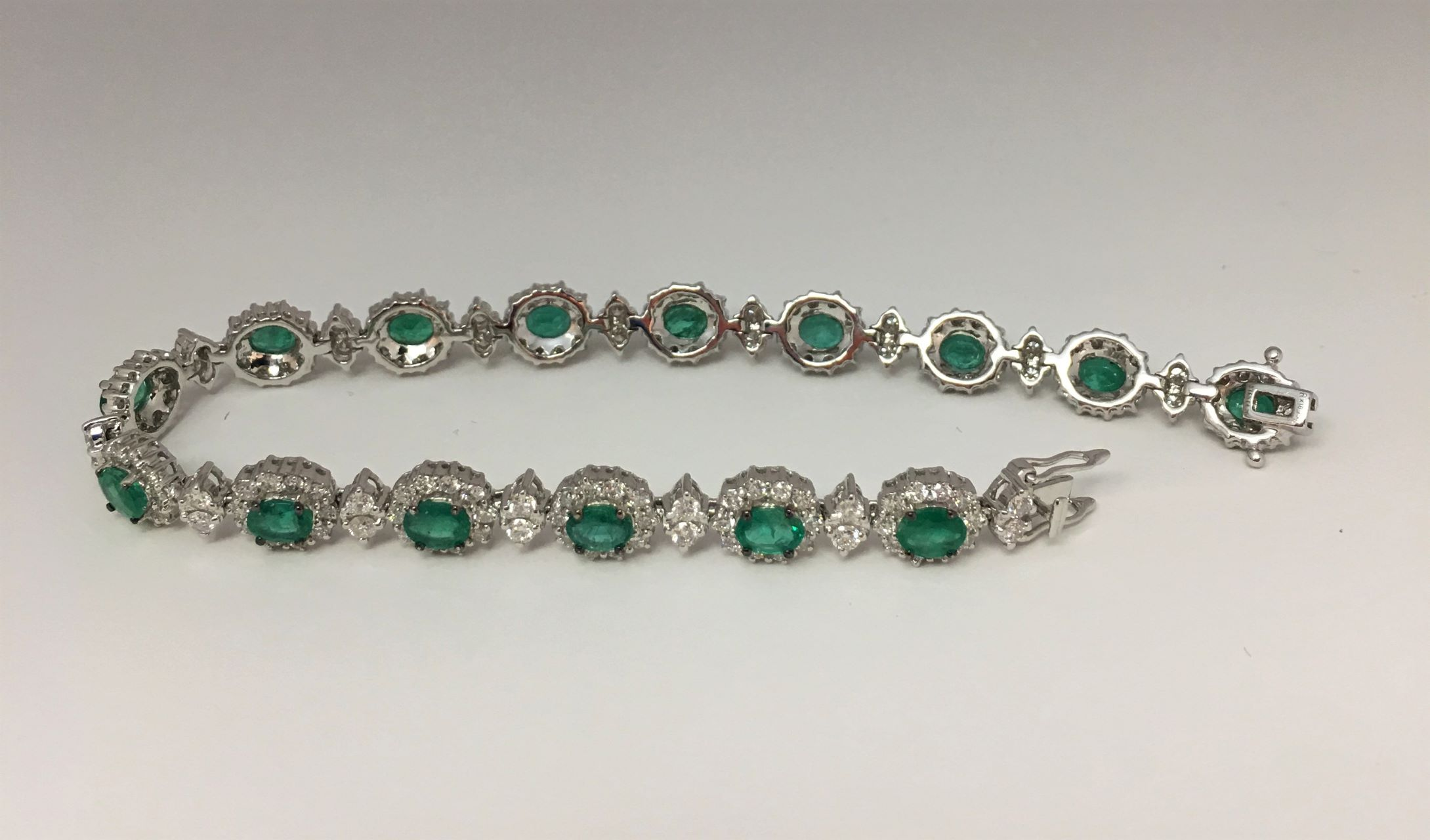 Over 4.5 Carats Emerald & Diamond Bracelet