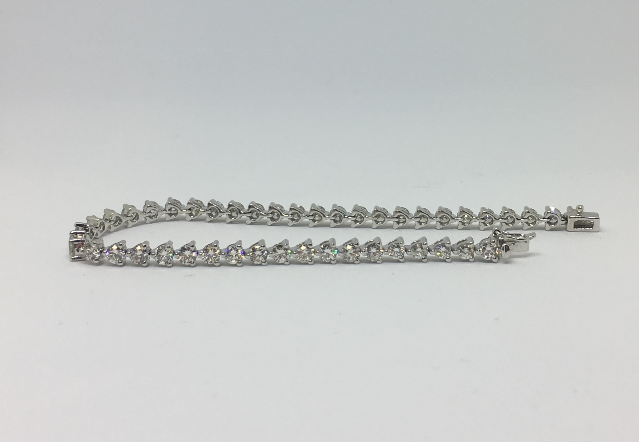 5.50 Carats Diamond Bracelet In White Gold