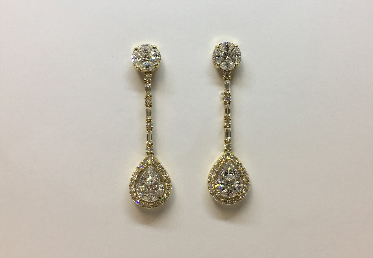 2.80 Carats Total Weight Dangling Diamond Earrings