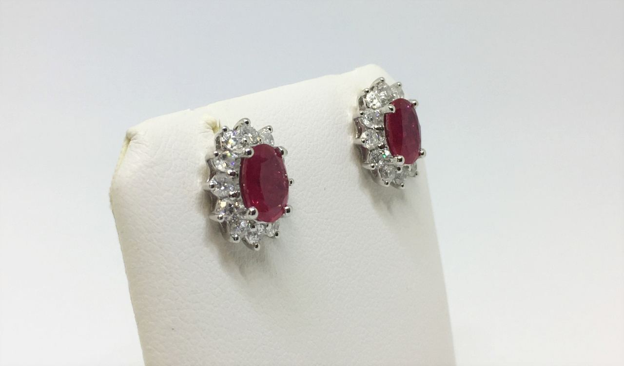 2.5 Carats Ruby White Gold Earrings