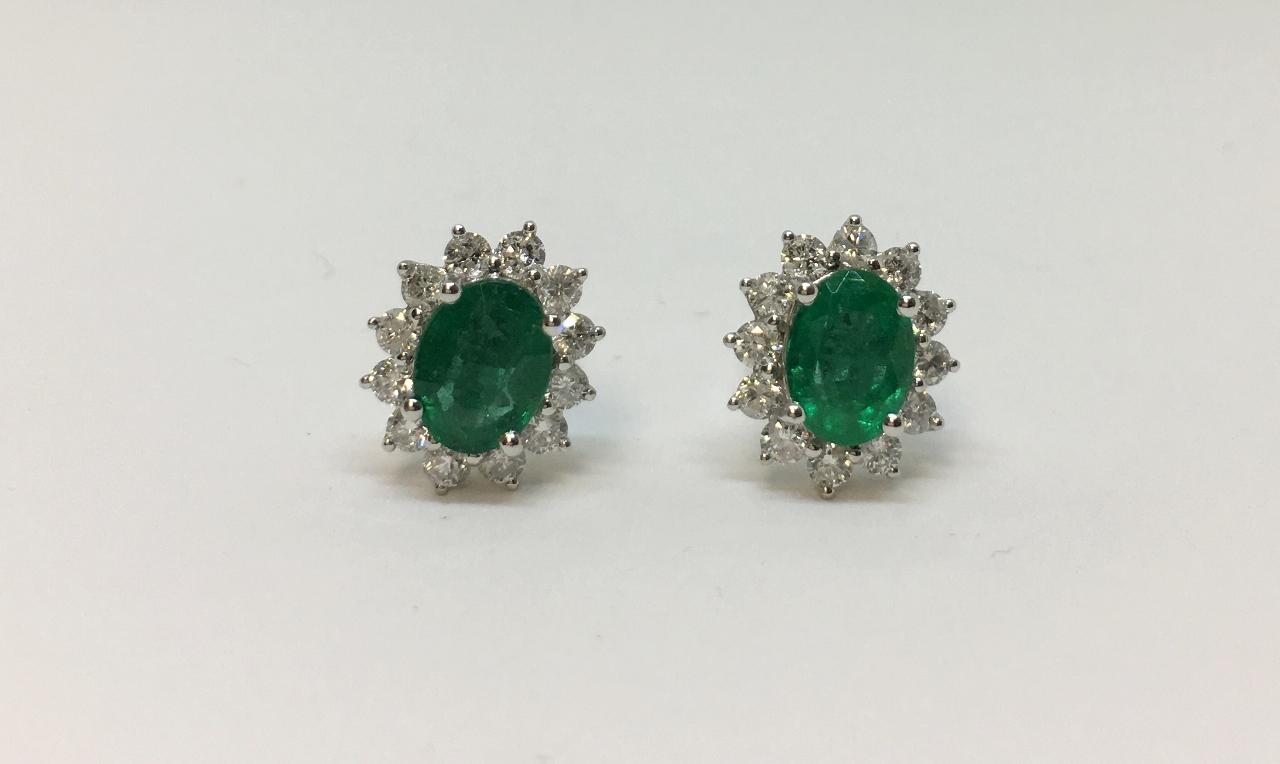 2.5 Carats Emerald White Gold Diamond Earrings