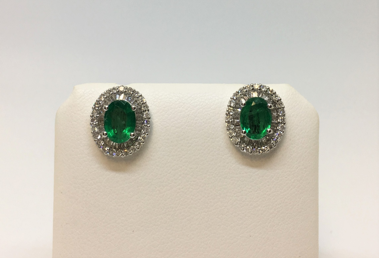 1.75 Carats Emerald Diamond White Gold Earrings