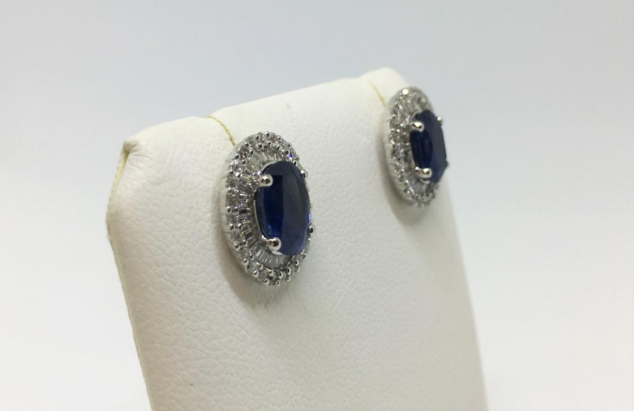 2.90 Carats Sapphire Diamond Earrings
