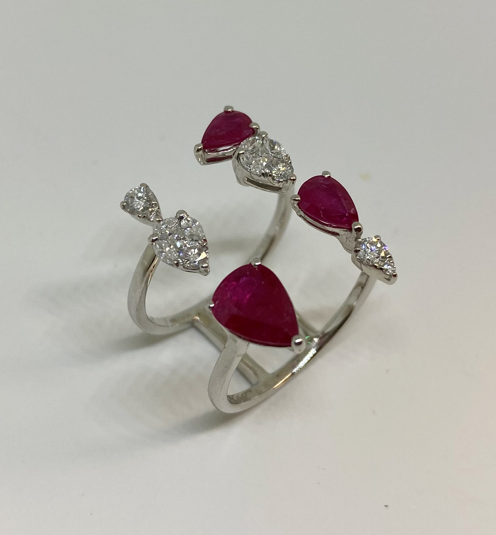 2 Carats Ruby Open Ring In White Gold