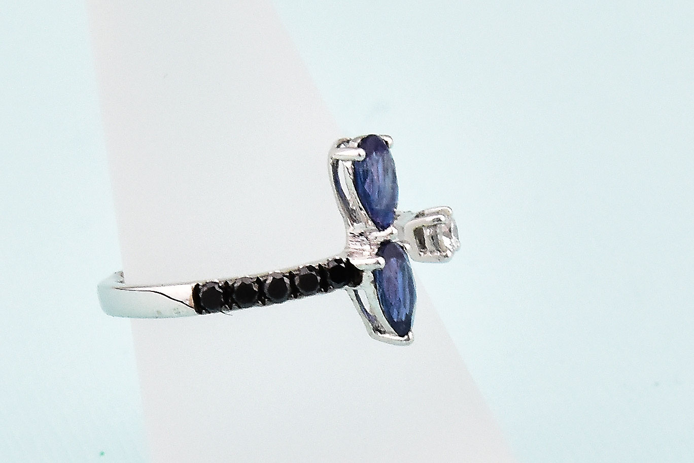 Stylish Open Style Ring With Sapphires & Diamonds