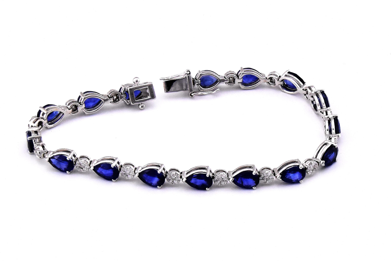 11 Carats Sapphire White Gold Bracelet