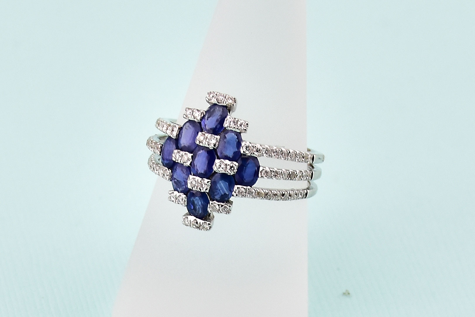 1.50 Carats Total Weight Sapphire Diamond Ring